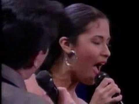 ▶ Buenos amigos by (Selena & Alvaro Torres - YouTube