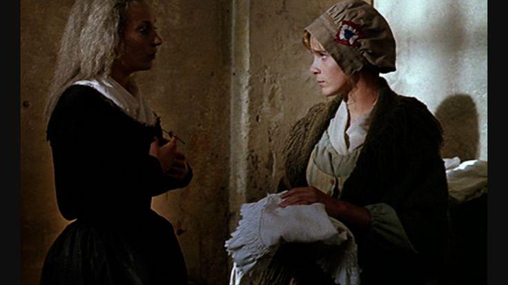 Ute Lemper as Marie Antoinette with Géraldine Danon as Rosalie Lamorliére in the 1990 film 'L'Autrichienne'.
