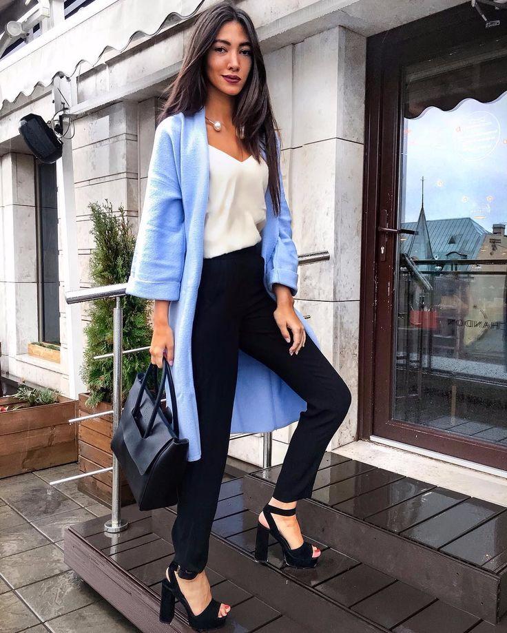 ✨УНИВЕРСАЛЬНЫЙ ОБРАЗ✨Как выглядеть элегантно и стильно в офисе и на встрече с подружками  подскажут  #OPENING 😉Сочетайте брюки с завышенной талией от CYRILLE GASILLINE с топом в бельевом стиле от So Easy и кардиганом из 100% шерсти небесно голубого цвета от I-QU.Мы уверены, восторженные взгляды обеспечены 👌🏻 #opening_деловой #opening_повседневный