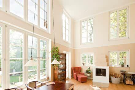 Haus Woltersdorf: klassische Wohnzimmer von Müllers Büro