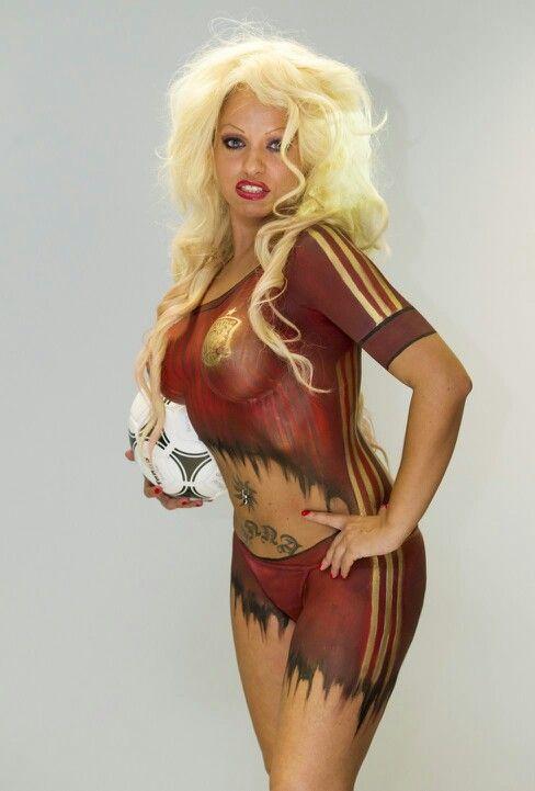 body paint para Diario As con motivo del mundial de futbol Brasil 2014 modelo: Anita Yes. Dj oficial de la seleccion Española  #todosconlaroja