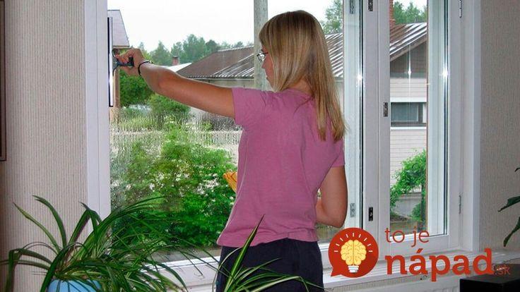 Ja čistenie okien vyslovene nemusím a preto som vďačná za tento babský recept, ktorá pri čistení vytvorí na oknách ochrannú vrstvu proti usádzaniu nečistôt, kvapiek vody a prachu. Je to úplne jednoduché a odporúčam vyskúšať každému.