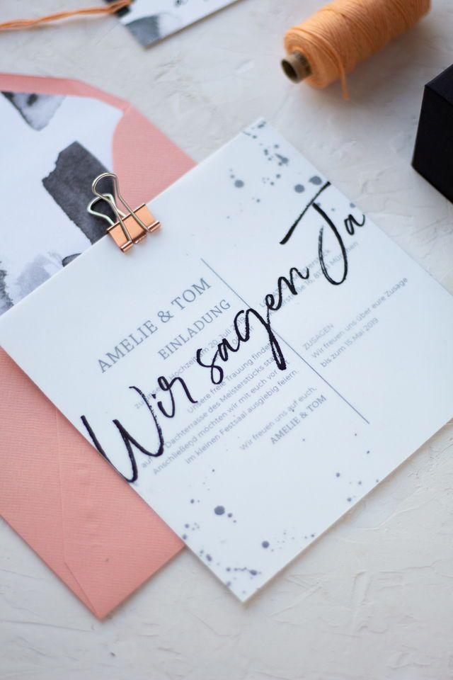 Modern typography, bright colors, black details like blots or brushes … – Einladungskarten für die Hochzeit