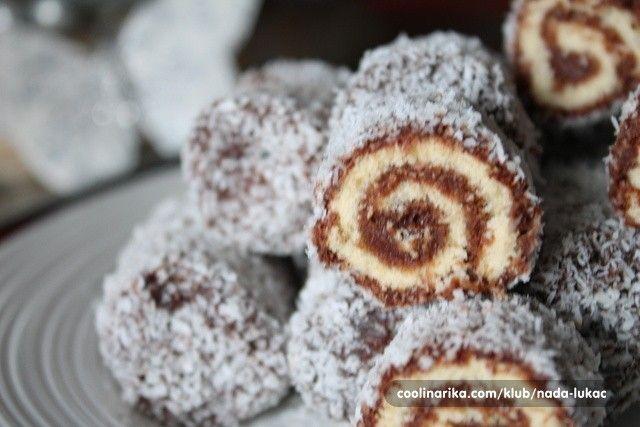 Krásně vypadají a každý je má rád. Spojení čokolády a kokosu je v sladkých dezertech velmi oblíbené.