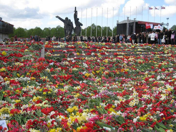 the Russophones of the world commemorate the victory over German Nazi in the Second World War. It is the greatest day for most of Russian-speakers in Latvia too and tens of thousands of people come to Victory Monument to lay flowers. This is the day which unites national minorities of Latvia and being intensively used by left wing parties as well.