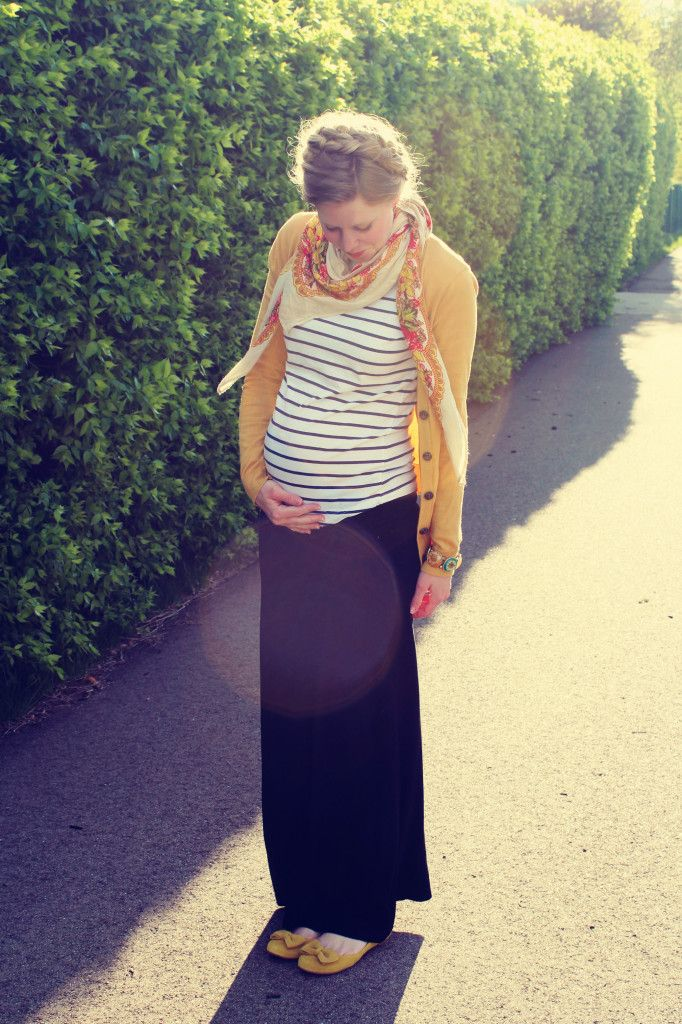 Stripes, floral and a maxi skirt = maternity style