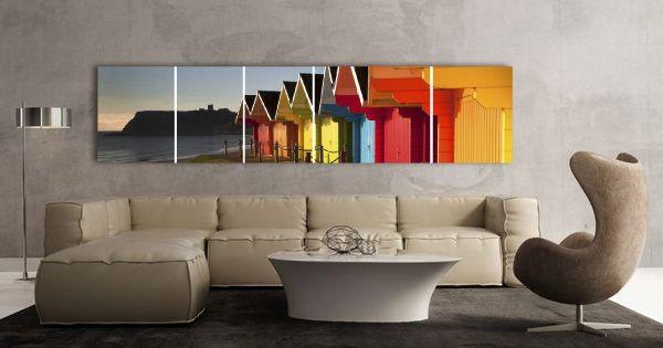 Salón con fotoalbum de pared