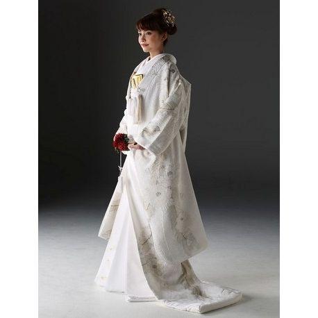 KYOKANE WEDDING(キョウカネ ウエディング)【着物好きな親族も納得!】金手刺繍の入った白無垢|ウエディングドレスを探す|ゼクシィ