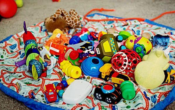 La mejor solución, moderno almacenamiento juguete + #tapete #alfombra de juego en uno. La limpieza de todas las piezas #Lego nunca ha sido tan fácil! Ideal para trenes, bloques, muñecas, coches y mucho más! #Producto #Argentino #Diseñado #HechoEnArgentina #HechoEnCasa #MisAmores #Hecho con #Amor