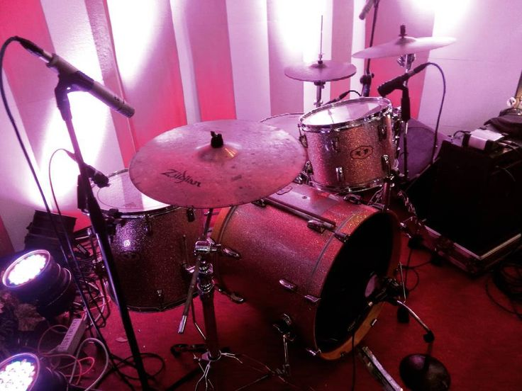 My kit last night  (pearlzildjiantama) . . . #grace17thn #drummer #drumming #drumkit #drum #drums #theworldofdrums #cymbals #cymbalsaddict #drumlovers #snareaddict #pearl #zildjian #tama #musician #drumscripts #drumsoutlet #thedrummersclub #drumsandlessons #drummingco #thedrumheadspod #drumaddict #drumporn #instadrum #snareporn #cymbalporn #instadrummer by christinerais