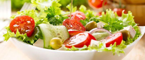 Sağlıklı ve Bol Lezzetli Diyet Salataları,Yeşil mercimek salatası: 1 su bardağı yeşil mercimek, 5-6 tane ince doğranmış taze soğan, yarım demet maydanoz