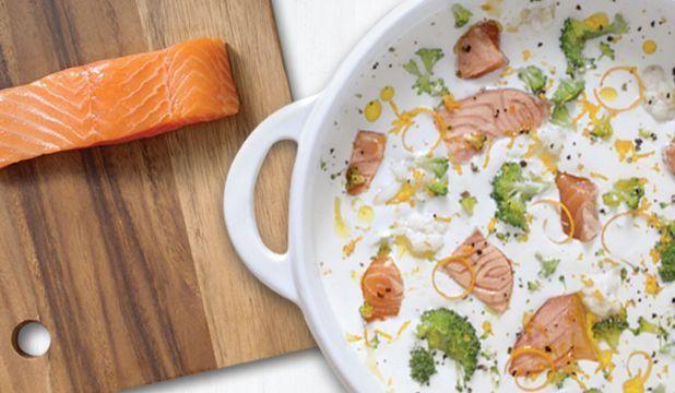 Krem z kalafiora z pomarańczą i łososiem norweskim
