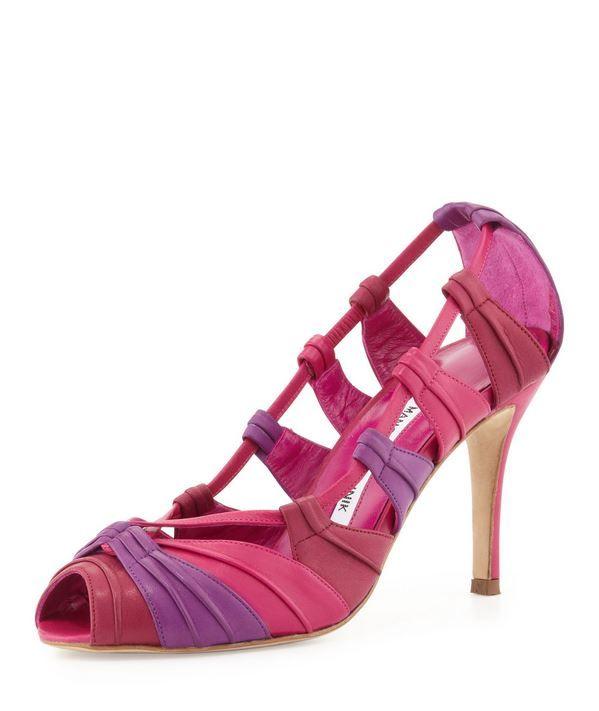 Manolo Blahnik primavera estate 2014: i Colori pastello che definiscono il Look  #blahnik #manoloblahnik #womanshoes #tacchi #heels #fashion #mood #trend #shoes2014 #scarpedonna #shoes #scarpe #calzature #moda #woman #fashion #springsummer #primaveraestate #moda2014
