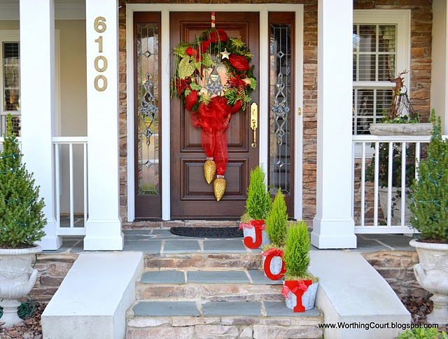 Joy christmas front porch 2011 craft ideas pinterest for How to decorate a small front porch for christmas