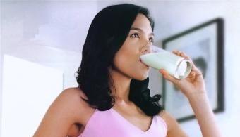 El riesgo de obesidad aumenta en un 40% si consumes dos o más porciones de pan blanco al día. {Universidad de Navarra} 02/06/2014