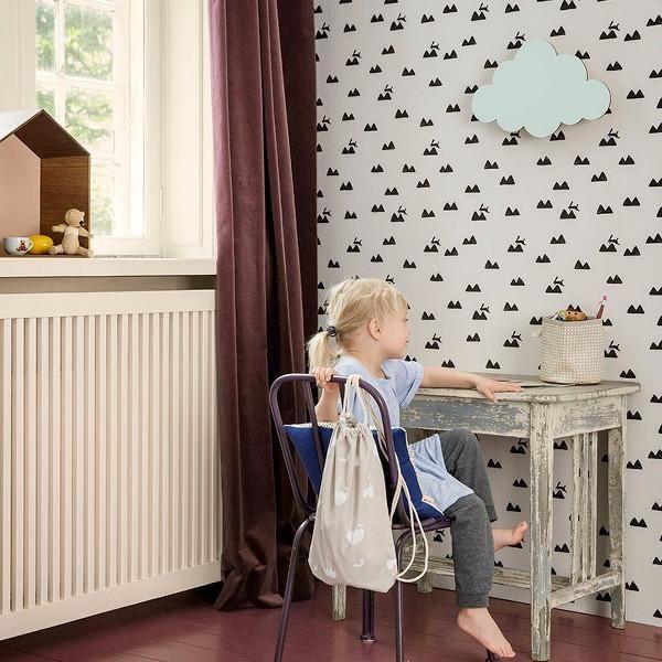 Sub aplica pentru copii in forma de nor albastru nu ploua niciodata, in schimb vei putea citi cartile preferate si te vei putea juca cu ursuletii si papusile. Cine nu ar vrea un norisor pufos care sa lumineze deasupra patului?