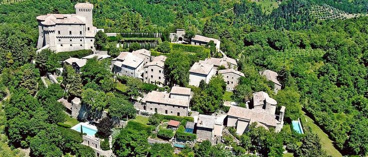 #wedding in #italy - Borgo to rent in exclsuive for your wedding. 5 indipendent #villas up to 30 people. http://www.italyprestige.com/wedding/weddingborgo_tuscany/weddingborgo_tuscany.html