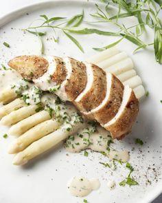 Gebakken kipfilet met asperges en kruidenroomsaus 25 MIN 2 personen