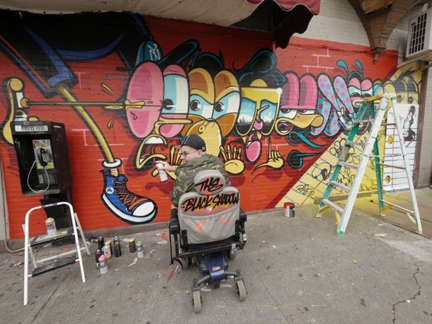4. Er was ook een vergelijkbare campagne in Amerika. Hierbij werkte Converse samen met Juxtapoz en hebben ze creatieve artiesten muurschilderingen te laten maken waarbij de Converse ster in verwerkt werd.