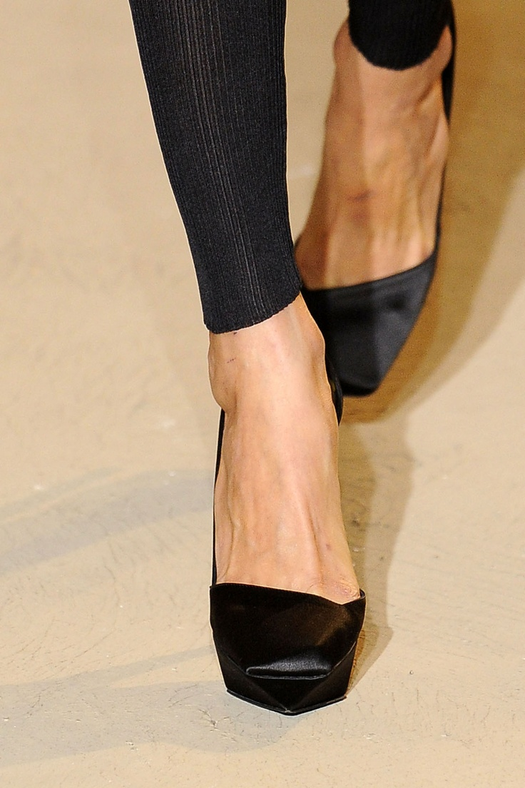 Jil Sander: Fashion Shoes, Design Clothing, Sander Shoes, Jill Sander, Jil Sander, Flats Shoes, Black Shoes, Ballet Flats, Awesome Pin