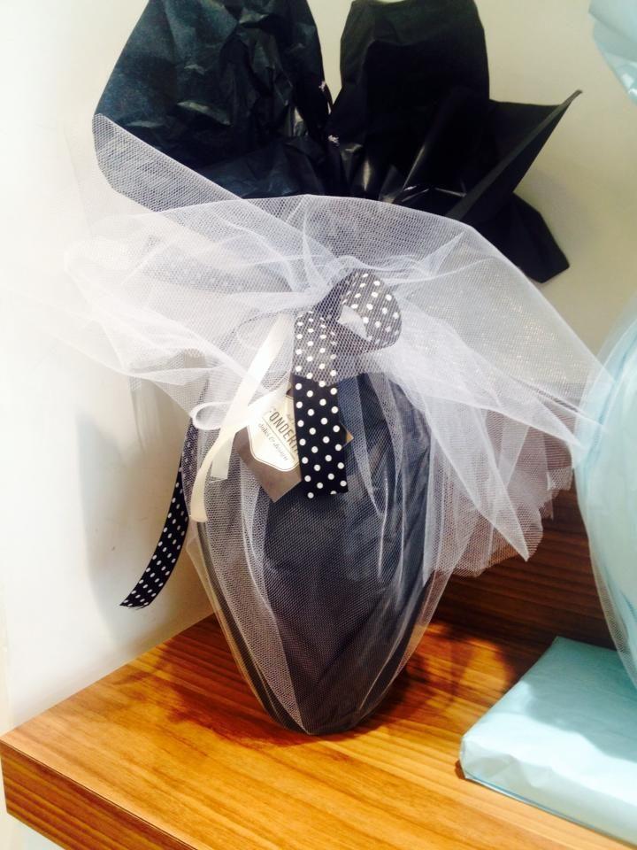 """L'Uovo di Pasqua """"vestito"""" di nero questa la proposta di Fonderia"""