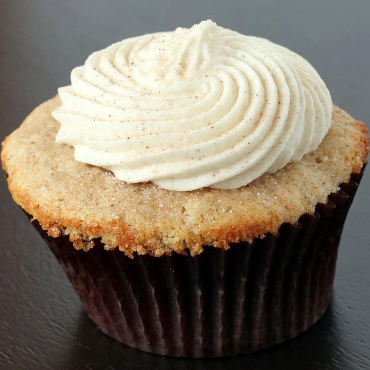 Snickerdoodle Cupcake und Zimt Frischkäse Zuckerguss