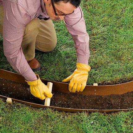 concrete border-DIY ~~ it's a lot of up-front labor (this is one of the most sensible set of plans I've seen) but think how much time and effort it saves for YEARS on weeding, trimming, edging, mulching...