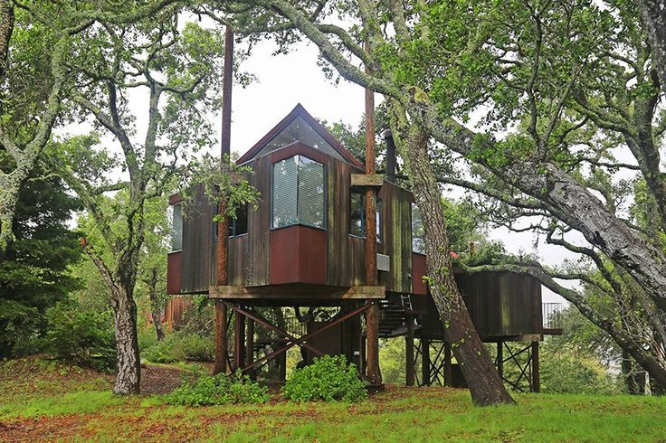Big Sur's Post Ranch Inn is packed with rustic charm