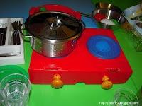cucina giocattolo di cartone