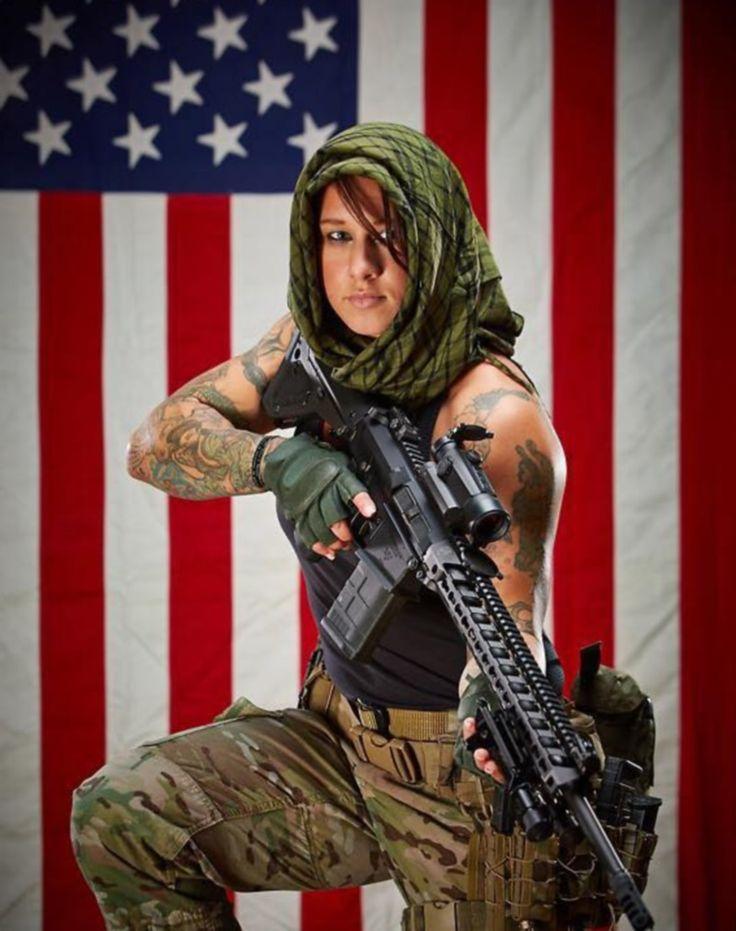 """Rambo"": depois de caçar terroristas, gata americana vai à África combater a caça ilegal - Fotos - R7 Internacional"