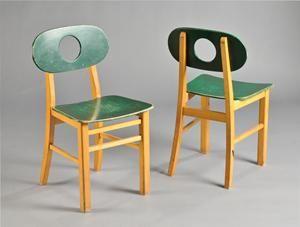 Køb og sælg moderne, klassiske og antikke møbler - Hukit. Et par stole (2) Denne vare er sat til omsalg under nyt varenummer 2416955 - DK, Herlev, Dynamovej