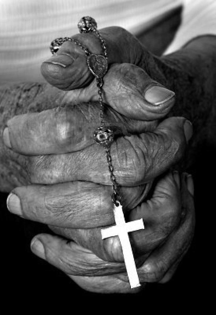 De la mano del Rosario.... para todo ora!