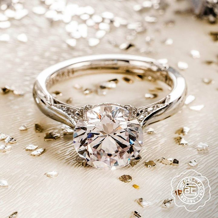 Tacori round diamond solitaire wedding engagement ring #diamondsolitairering #solitairering