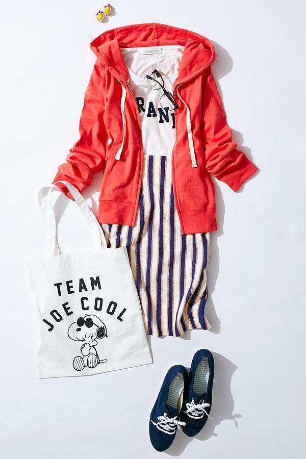 ルミネエスト新宿の店頭アイテムで、パーカー&スウェットを主役にコーディネート! 赤パーカーとストライプスカートでガーリーなスポーツスタイルを完成。女の子をかわいく見せるスタイリングが得意という人気スタイリスト山脇道子さんがアドバイスします!