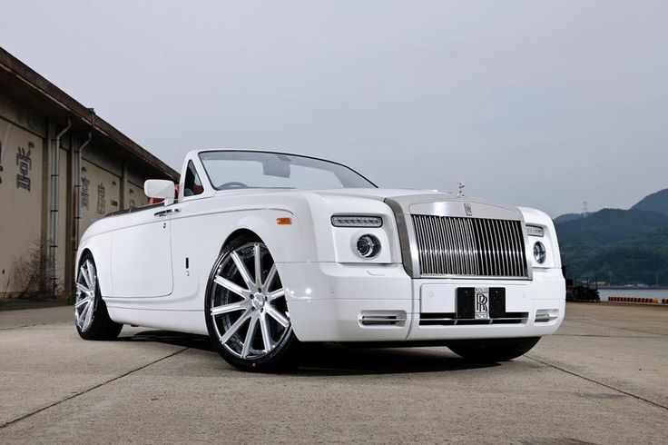 Rolls-Royce Phantom Drophead Coupé $474,600 http://www.edmunds.com/rolls-royce/phantom-drophead-coupe/2014/