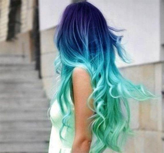 capelli sfumati viola azzurri