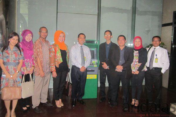 DIABADIKAN – Manajemen PT Bank Bukopin Cabang Medan diabad