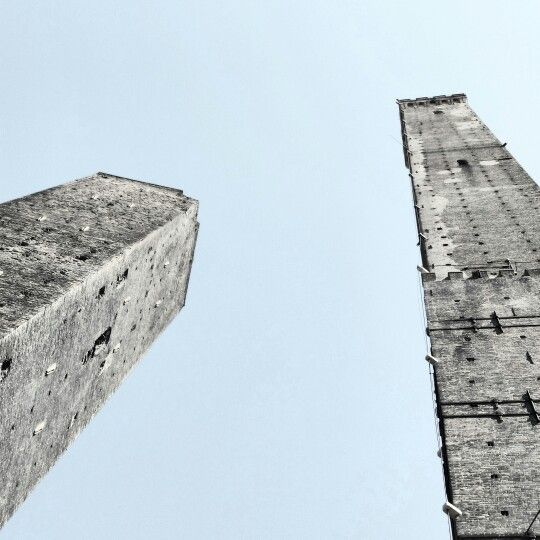 Towers Garisenda and Asinelli