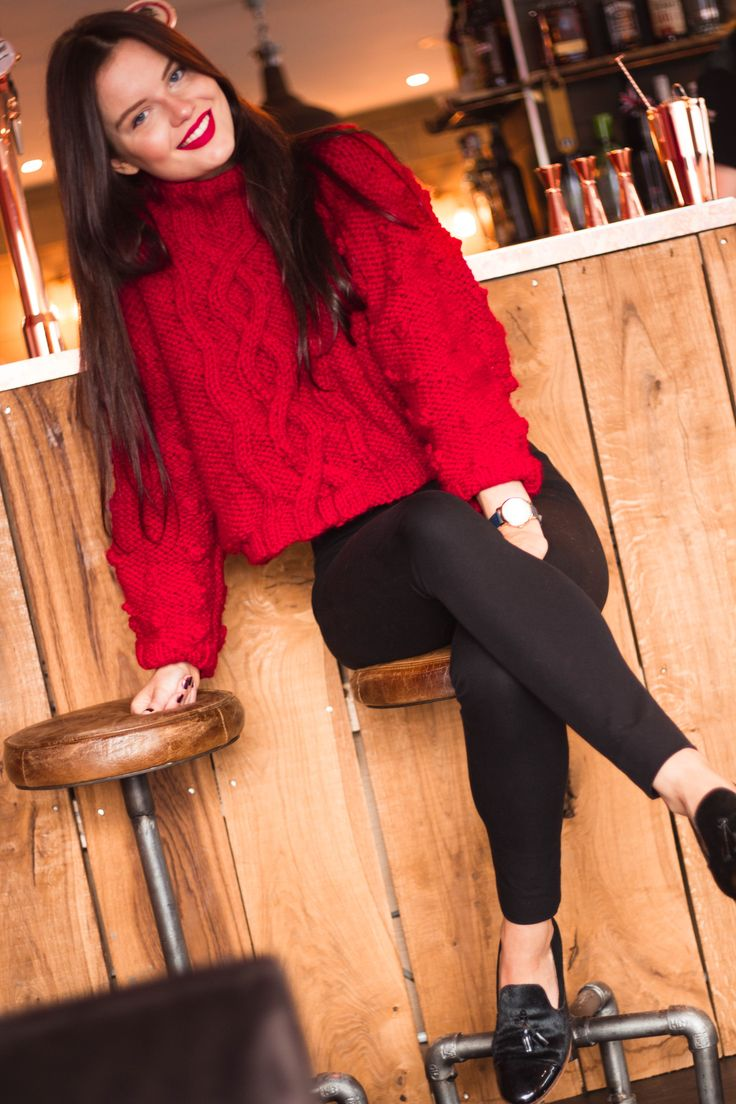 superchunky handknit sweater | chunky knit red jumper with black skinny trousers and red lipstick