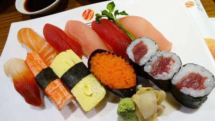 Sushi  at ZEN Japanese Restaurant in All Seasons Place.  #throwback #sushi #Japanesefood #foodporn #foodoclock #onthetable #eeeeeats #zenrestaurant #allseasonsplace #bangkoklife #myfavorite