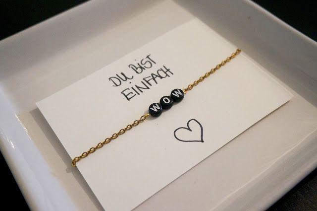 DIY selbst gemachtes Armband für die beste Freundin zu Weihnachten mit Buchstabenperlen #diy #armband #bracelet