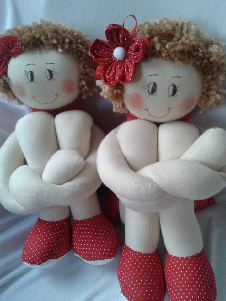 boneca de pano feita em malha de algodão,tecido tricoline poa vermelho fibra de silicone lã para o cabelo  Lindo enfeite para quarto infantil ou adolescente