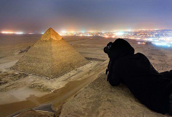 ロシア人写真家が規則を無視しギザのピラミッドに登り撮影 3