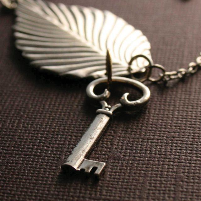 معنى حلم المفتاح للعزباء والمتزوجة والحامل المفتاح تفسير المفتاح حلم المفتاح حلم المفتاح للحامل Corkscrew