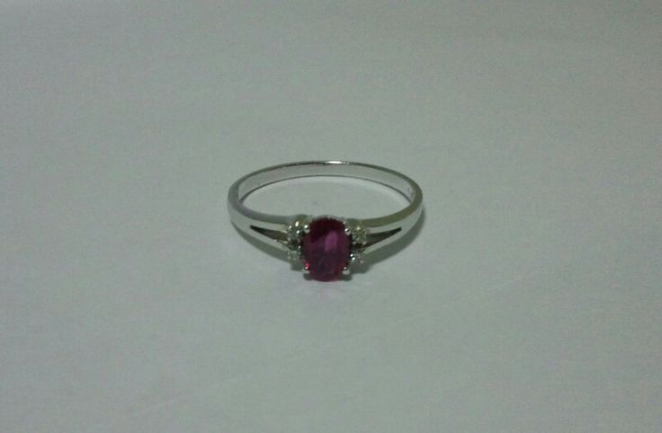 *Ruby -- Antique Ring -- in Stuffonline.ecrater.com