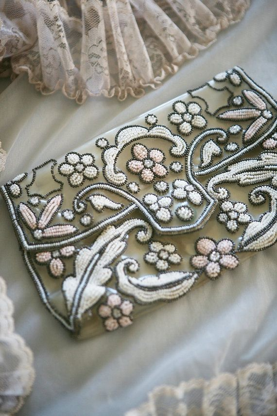 Hand beaded Vintage Clutch... i want