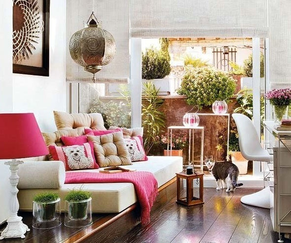 Downtown Madrid Apartment Beckons You HomeDecor, Spaces, Living Rooms, Colors, Livingroom, Interiors Design, Moroccan Style, Pink, Pillows
