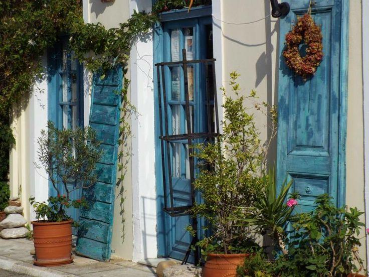 Photo: Inger Linblad. Blue doors in Koroni