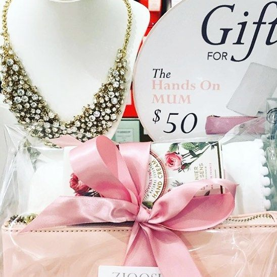 Sugar Free Mothers Day gifts from Zjoosh,  Who does not love a statement necklace.