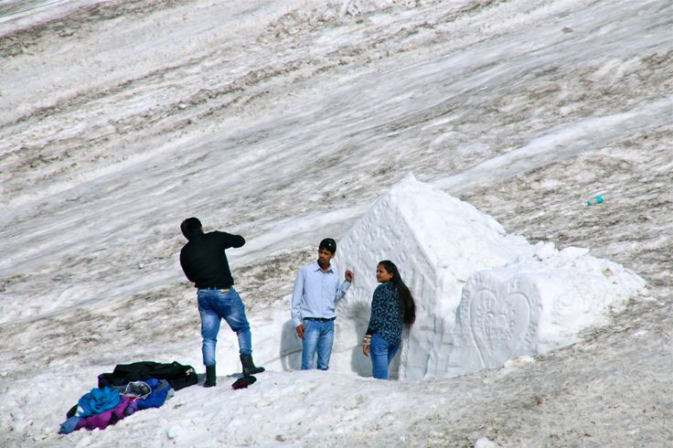 Indians on holidays, Rhotang Pass, Ladakh